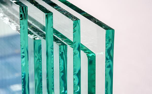 建築用ガラス